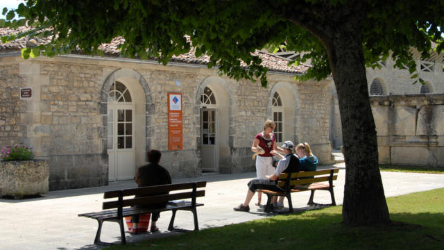 Office De Tourisme saintes