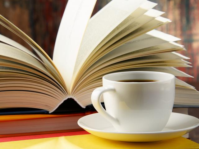 Café bibliothèque lecture